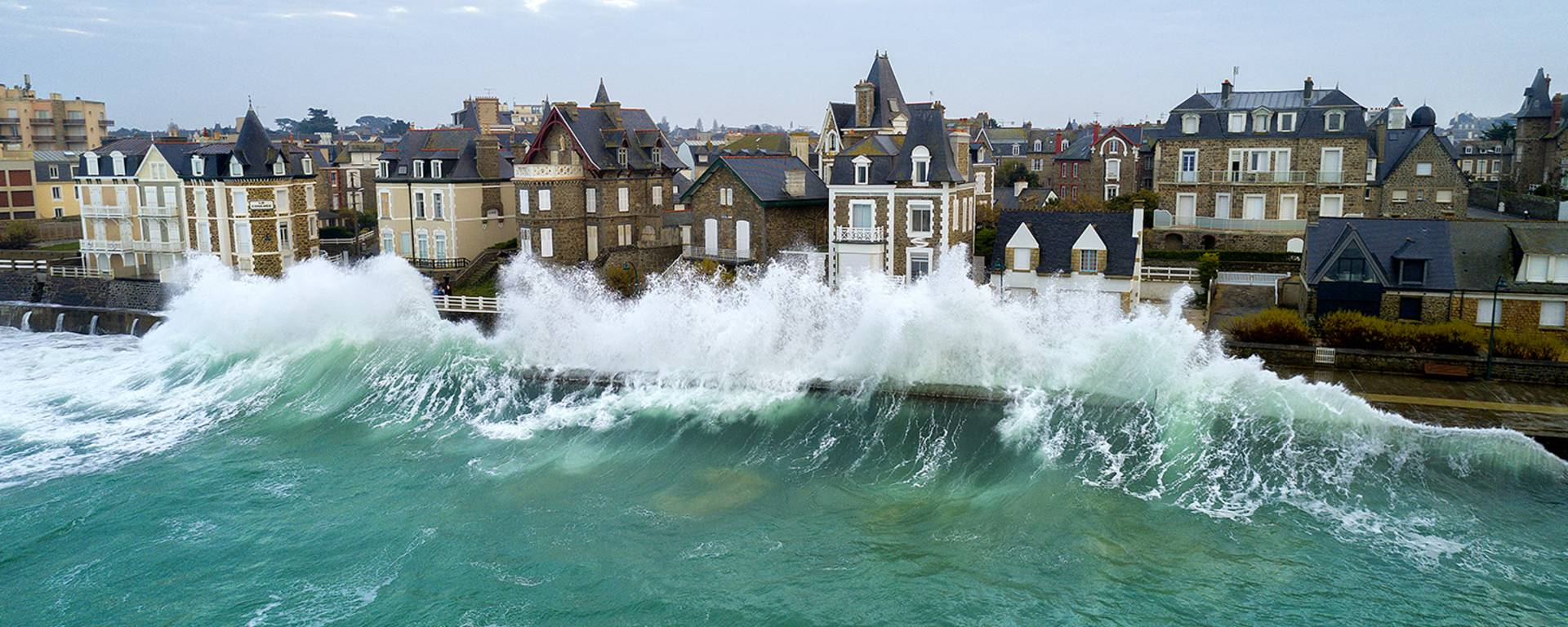 High tides of Saint-Malo ©Emmanuel-Duclos-Easy-Ride