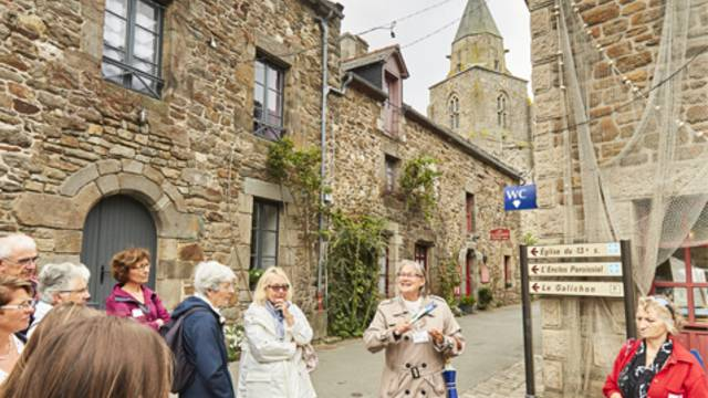 Guided tour of Saint-Suliac